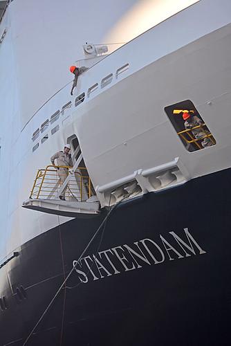 Statendam crew