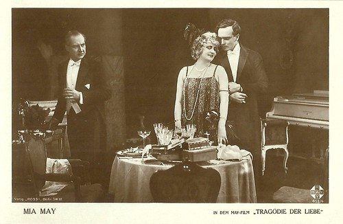 Mia May and Vladimir Gajdarov in Tragödie der Liebe