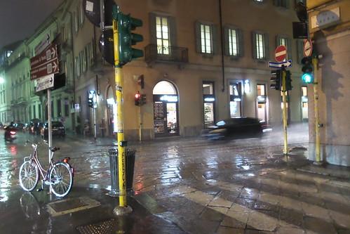 La vera #pioggia d'autunno a #Milano