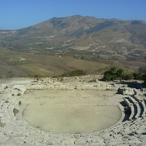 Sicilia On the road: area archeologica di Segesta