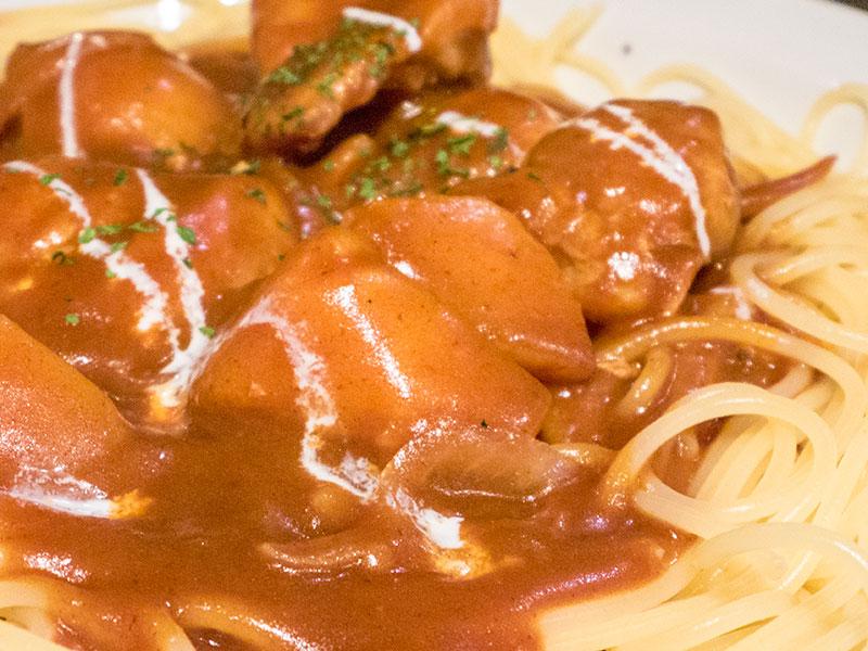 チキンとジャガイモのデミグラソース