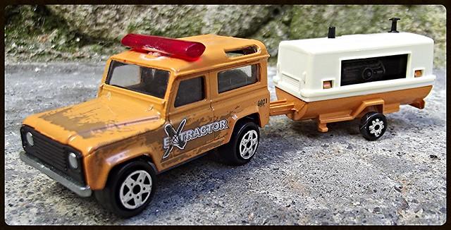 N°382 Land Rover + Compresseur  15472903298_386a809a4e_z