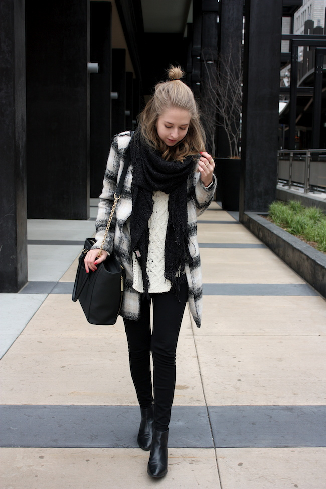 chelsea+lane+zipped+truelane+blog+minneapolis+midwest+fashion+style+blogger+lulus+plaid+coat+zara+black+leather+ankle+booties+dagne+dover+mini+tote1
