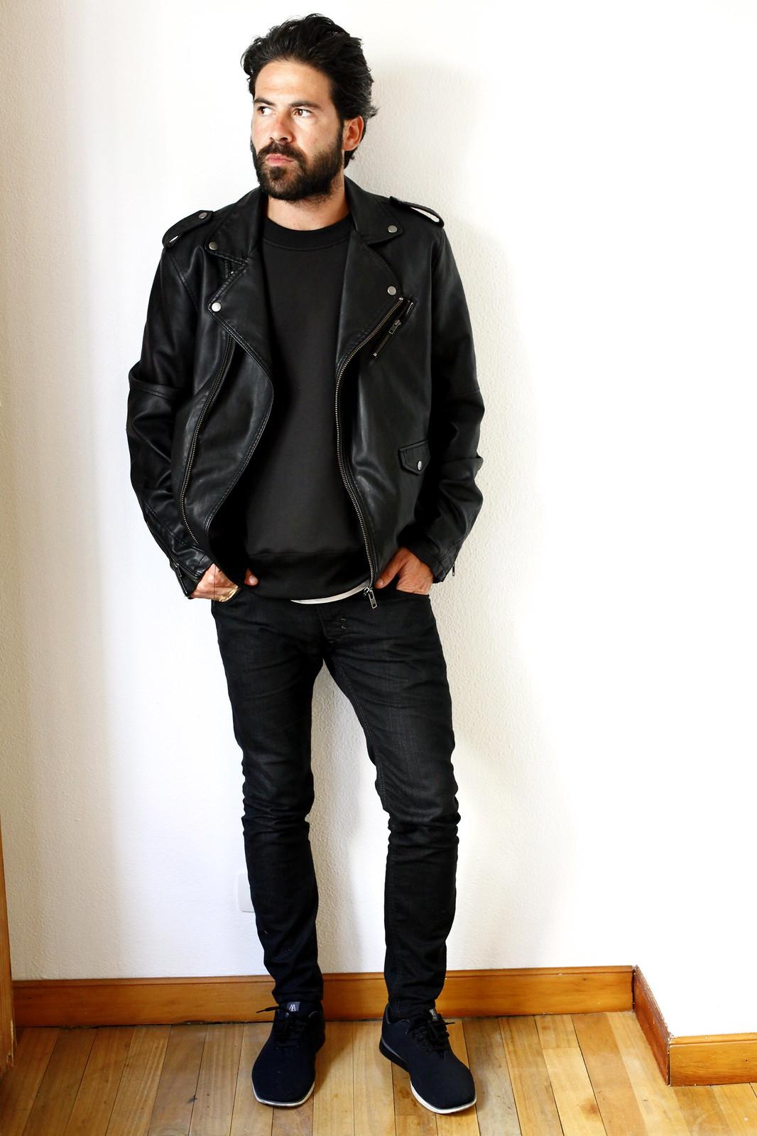 miguel_carrizo_ilcarritzi_look_total_black_asos_h&m_diesel_muro_exe_