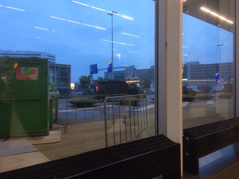 スキポール空港の朝