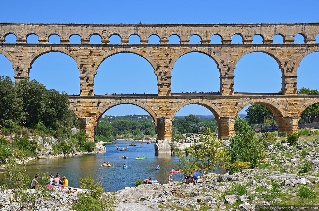 10 Pont-du-Gard