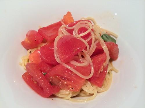冷たいフルーツトマトのカペッリーニ@アントニオ デル ポライオーロ