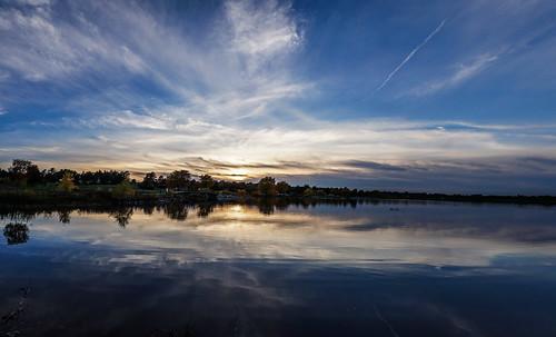 park autumn sunset sky lake reflection fall water clouds nebraska unitedstates sony lincoln holmeslake a6000
