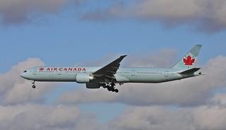 C-FIVW B777-333ER c/n 42218 Air Canada (EGLL) 16/10/2014