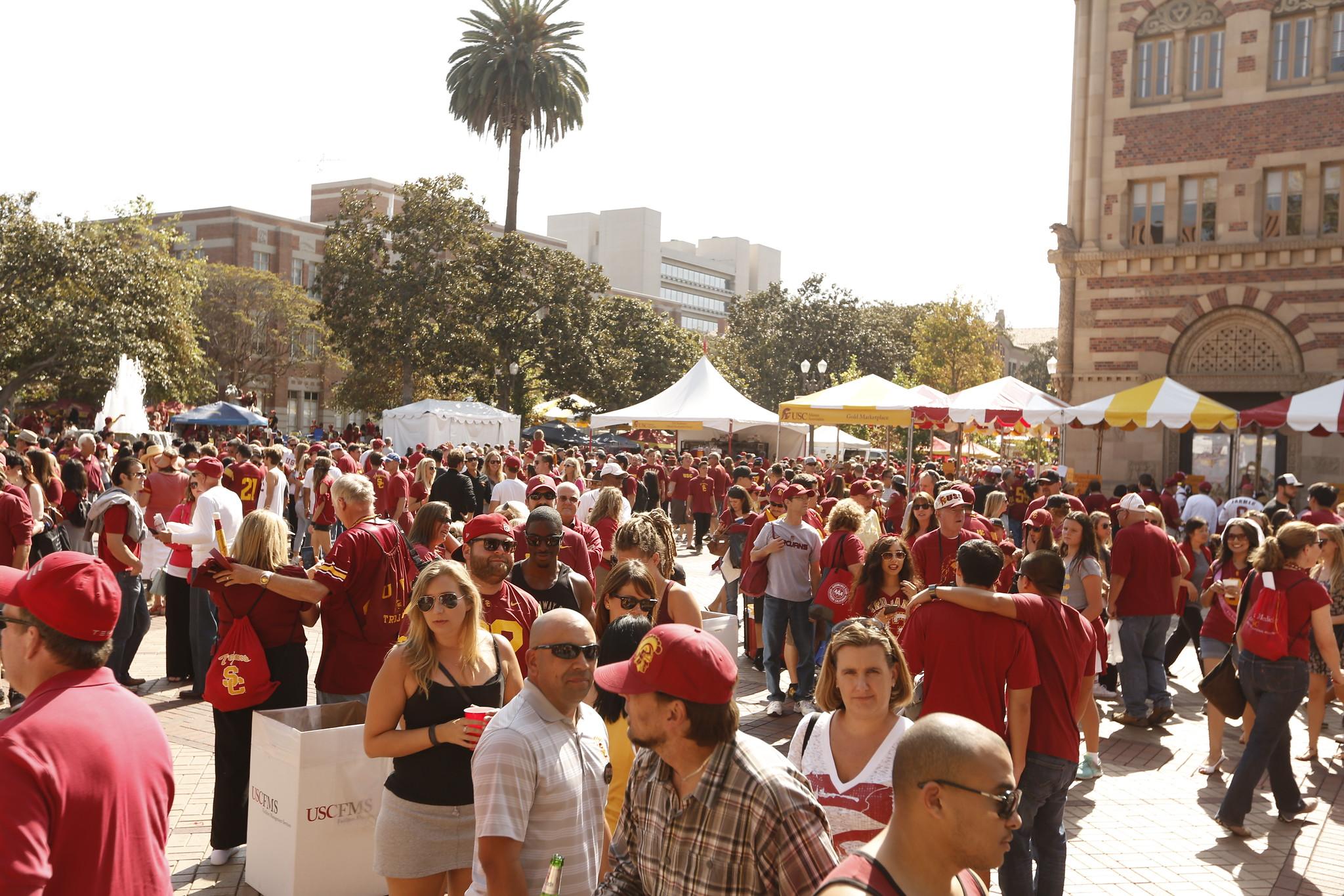 Cover photo for USC Alumni Assoc.