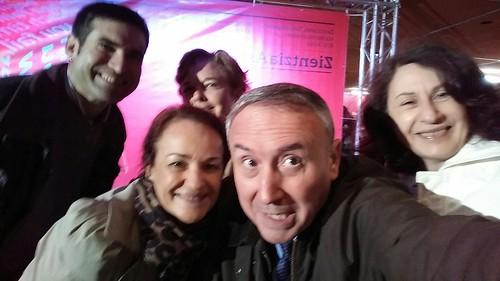 Xabier Díaz , Gloria Marzo, Elvira González, Mikel Agirregabiria y Pilar Etxebarria. Selfie (o groupie) en Zientzia Astea 2015