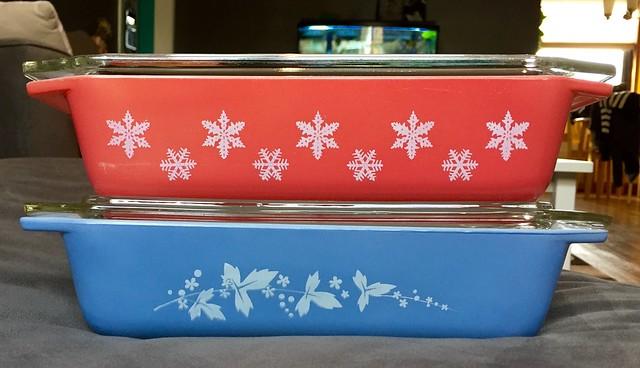 Pyrex JAJ red snowflake & Hawthorne large space savers