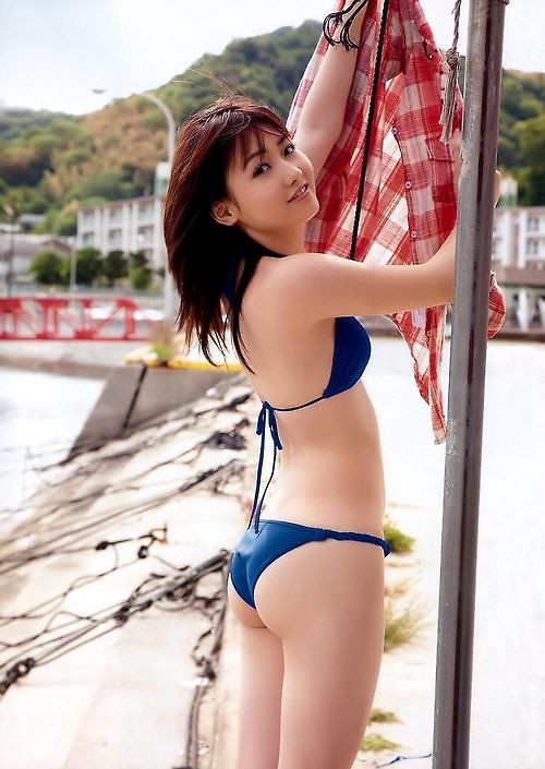PEACH ON THE BEACH 桃瀬美咲
