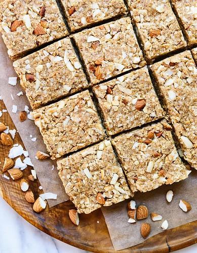 almond-coconut-granola-bars-recipe