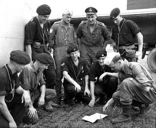 1959 NZ5906 at RAF Station, Kuala Lumpur - Crew briefing