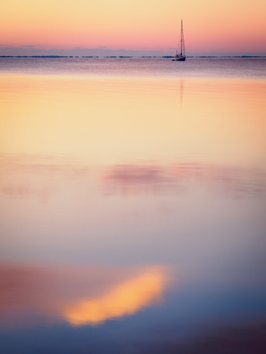 highres reflection usa titusville sunrise calm river cloud dawn landscape sky centralflorida water merrittislandnationalwildliferefuge ©edrosack florida cloudy minwr boat sailboat