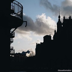#silhouettes of a #city #hamburg #vsco #vscocam #wanderlust #travel #guardiantravelsnaps #hamburg_de #ahoihamburg #igershamburg #visithamburg #explorehamburg #traumstadt #speicherstadt #igershh #welovehh #igersgermany #germany