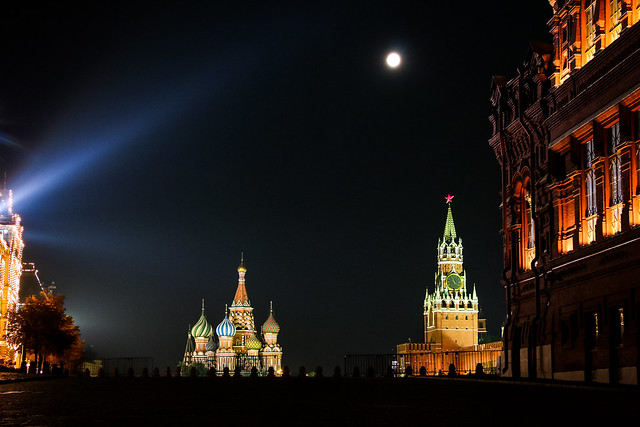 Red Square and super moon at night, Moscow モスクワ、赤の広場とスーパームーン
