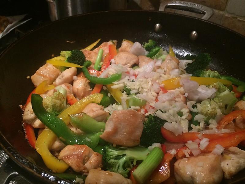 Chicken Cashew Nut and broccoli Stir Fry : Add the garlic and shallots