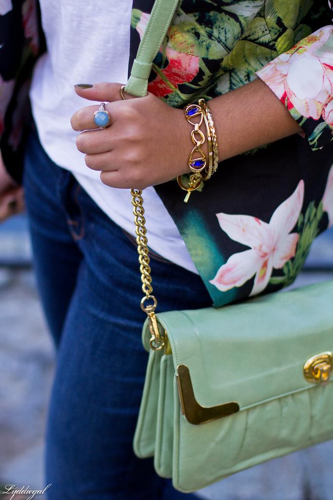 Jeans, graphic tee, floral blazer, converse-4.jpg