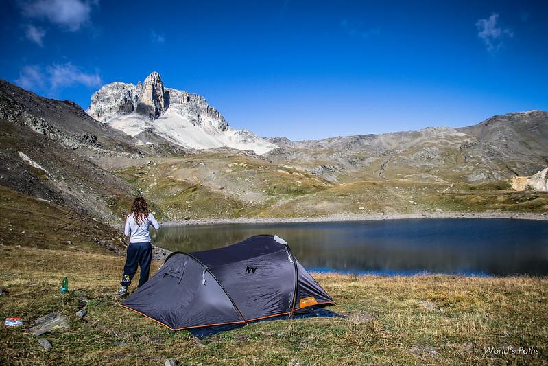 Tenda sul Lac Rond , Vista Cheval Blanc