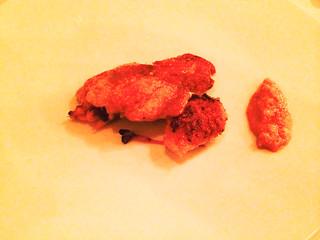 Delicias de pollo a baja temperatura con alioli de azafrán y pepitoria