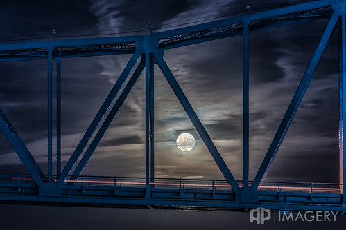 bridge blue sunset moon night downtown kentucky ky glover cary ohioriver owensboro smotherspark