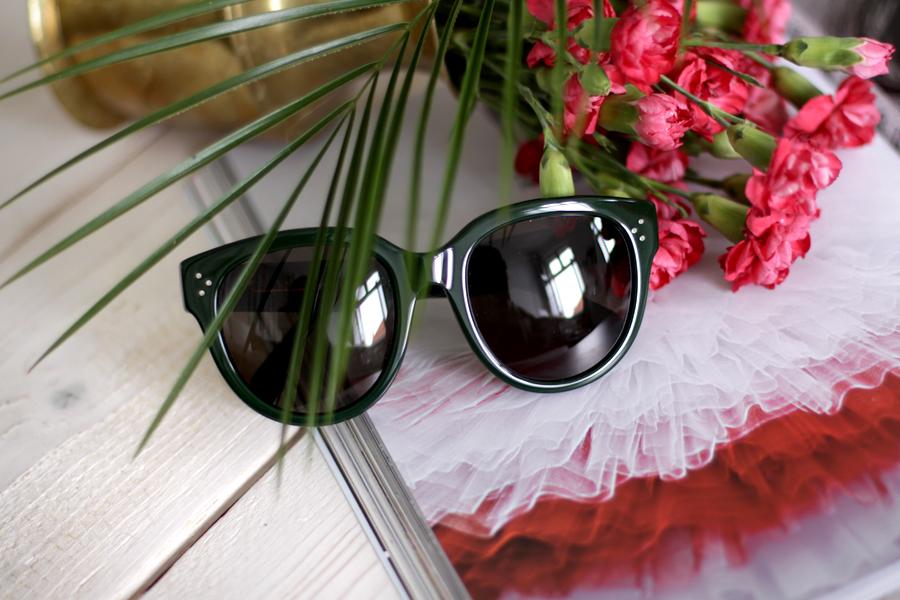 céline audrey green forest dark inspiration accessories sunglasses pretty fashion blogger cats and dogs ricarda schernus