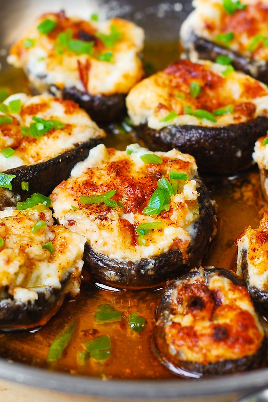 stuffed mushroom appetizer, baked stuffed mushrooms, how to cook stuffed mushrooms, cooking mushrooms