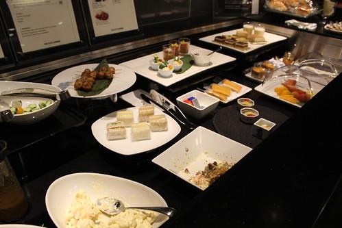 DINING h_前菜ビュッフェ