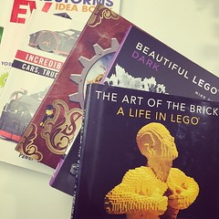 a box of LEGOlicious awesomeness arrived at my desk today. #nostarchpress