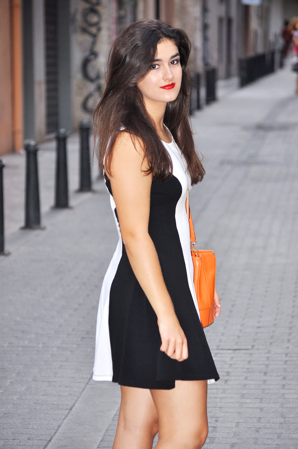 zara max mara rondine tote bag orange amanda r. something fashion blogger spain valencia, outfit summer skater dress look style chic bohemismo whistle jewelry pop color