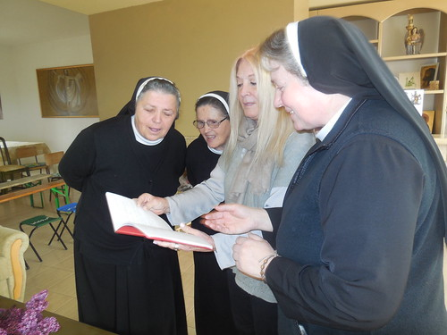 Vassula with the Franciscan sisters