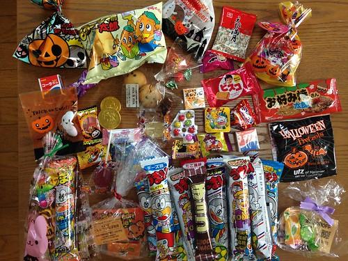 ハッピーハロウィンでもらったお菓子たち