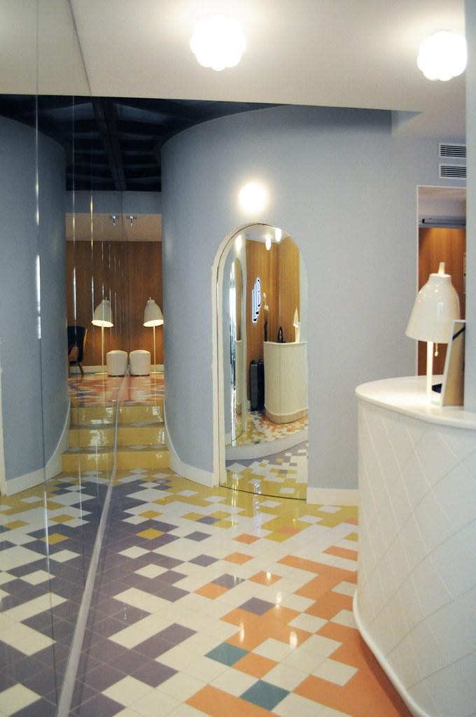 Hotel Le Lapin Blanc Paris - Violaine Olga Madeleine