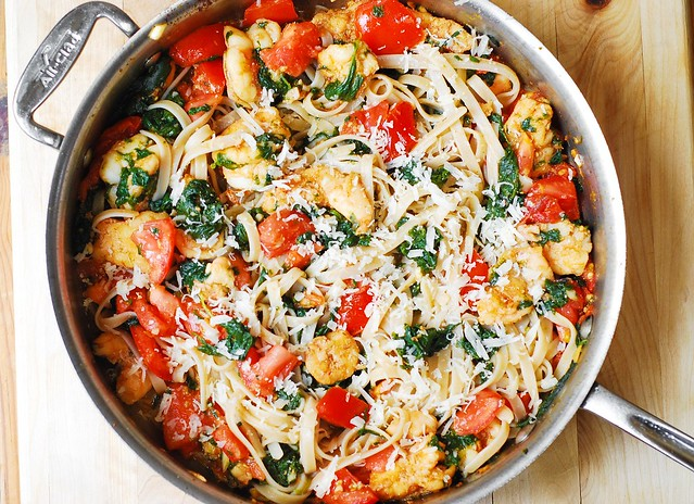 Spinach tomato mozzarella pasta recipe