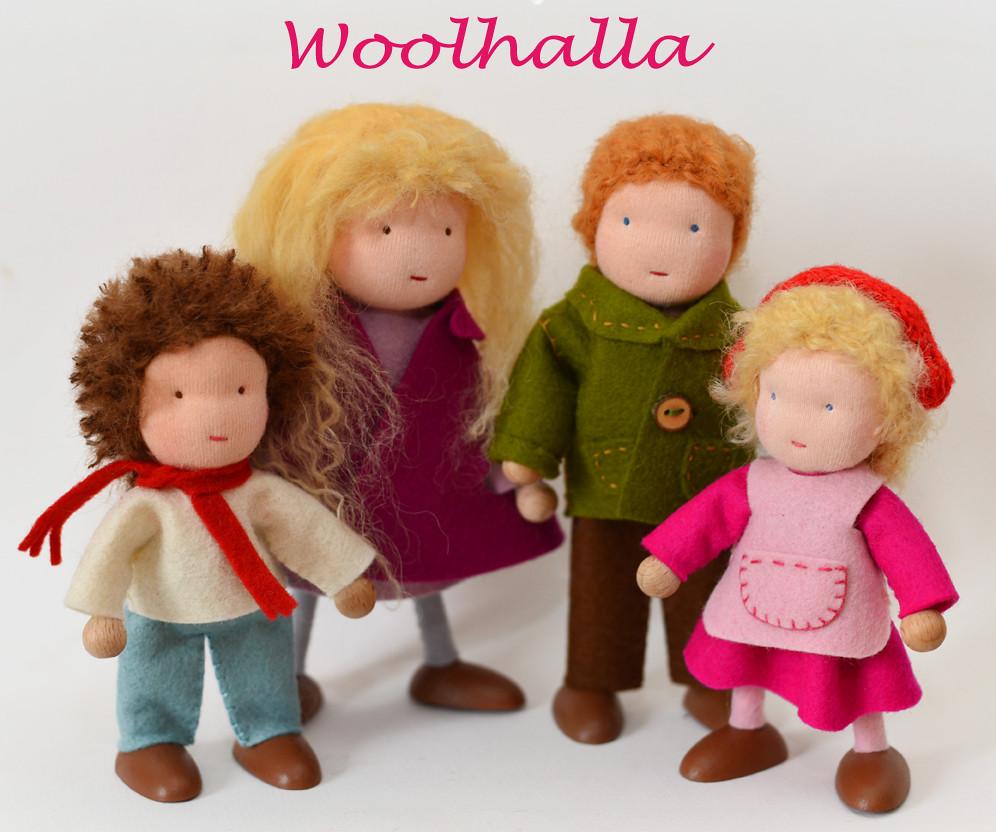 Dollhouse Family of 4