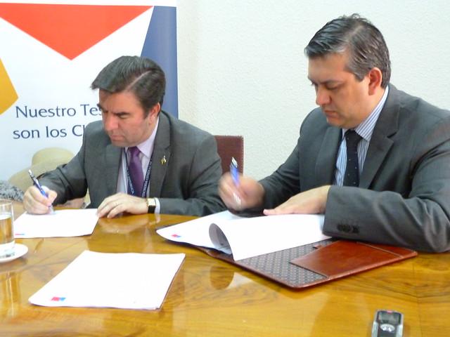 Firma del convenio de la Tesorería y el Sernageomin (3)