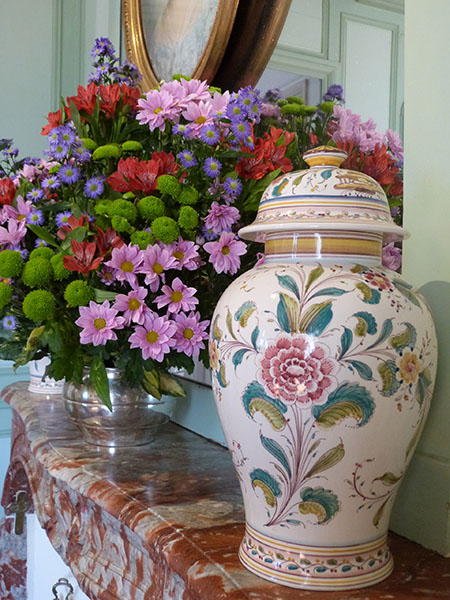 fleurs et pot