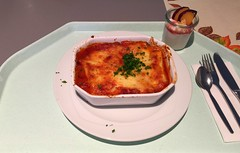 Meat cannelloni with tomato & bechamel sauce /…