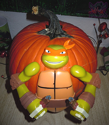 "GEMMY :: Nickelodeon  TEENAGE MUTANT NINJA TURTLES;  ""MICHELANGELO""  PUMPKIN PUSH-IN DECORATING KIT ix  (( 2014 ))"