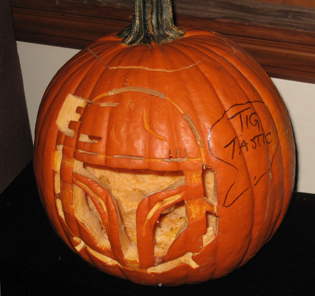 "The 2nd Annual "" TIG STAR WARS PUMPKIN CARVING CONTEST "" begins ... - Page 2 15585012291_f64c70d40e_b"