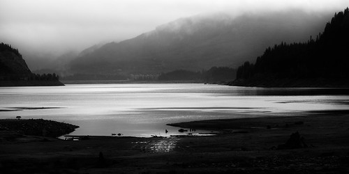 blackandwhite mountains nature water monochrome misty fog contrast landscape outdoors pacificnorthwest washingtonstate snoqualmiepass keecheluslake canon135mmf2lusm canoneos5dmarkiii johnwestrock