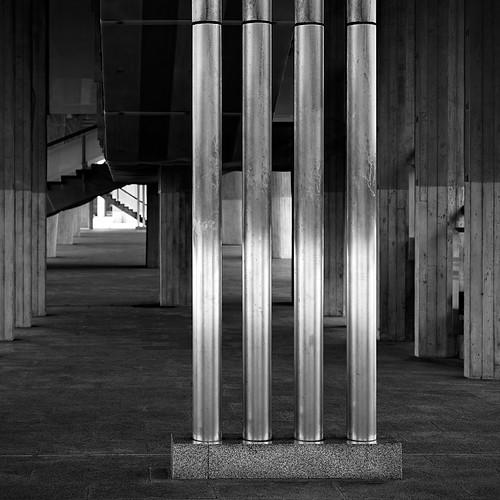bw lines japan stairs square concrete blackwhite tubes hiroshima 広島市 hiroshimapeacememorialpark kenzōtange 広島平和記念公園 chūgoku hiroshimaheiwakinenkōen yalestudio