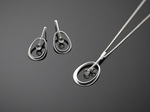 Rain Drop/ big earrings and big pendant