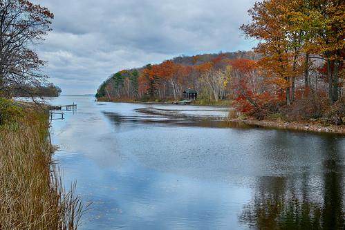 autumn ontario canada milford picton fallcolours princeedwardcounty bayofquinte