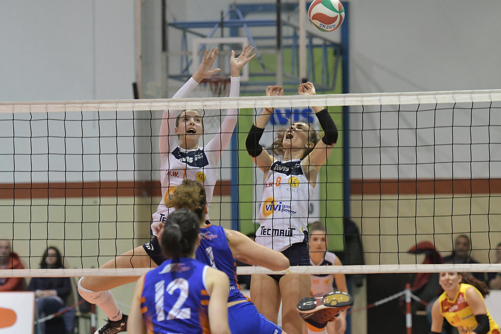 VIVIGAS ARENA VOLLEY-OSPITALETTO VINILGOMMA