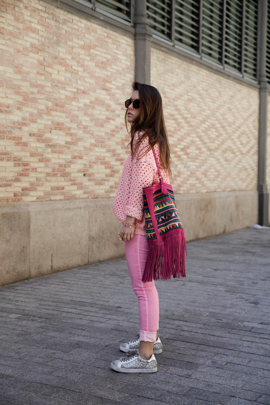 08_pink_look_with_rüga_streetsyle_barcelona_influencer_theguestgirl_spain