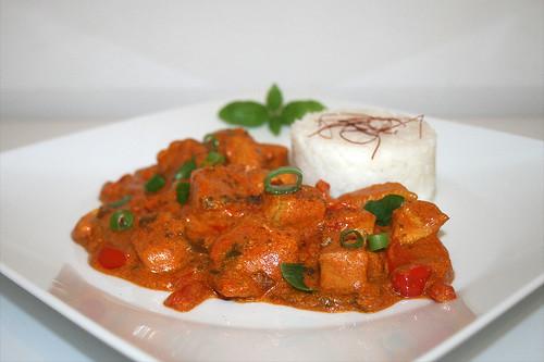 40 - Cardmom chicken in yoghurt sauce - Seitenansicht / Kardamom-Hühnchen in Joghurtsauce - Side view