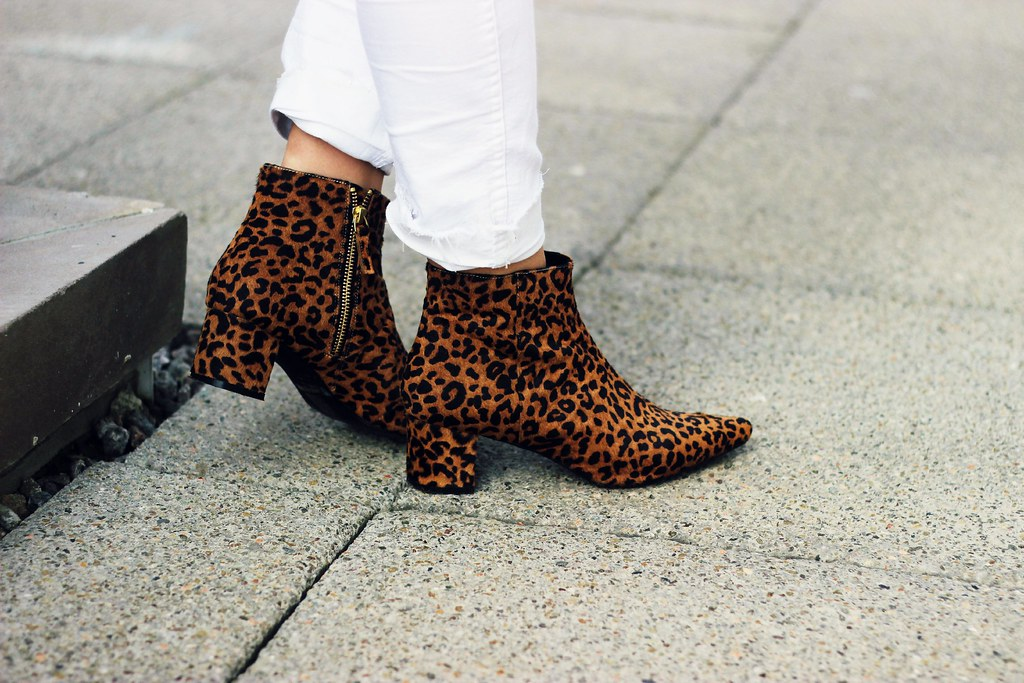 Senso leopard pointed toe boots 9